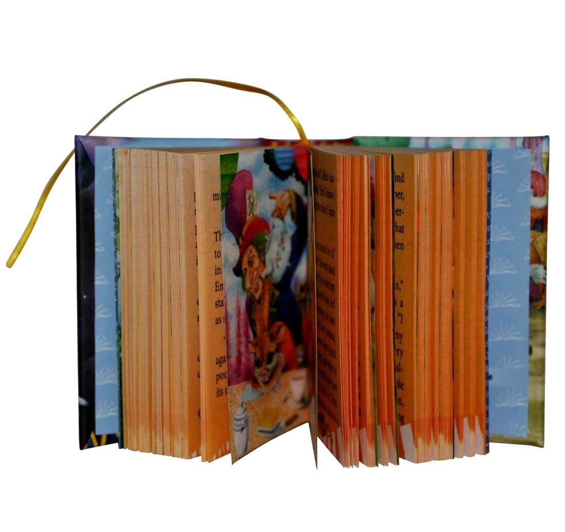 alice-in-wonderland-1-miniature-book-libro