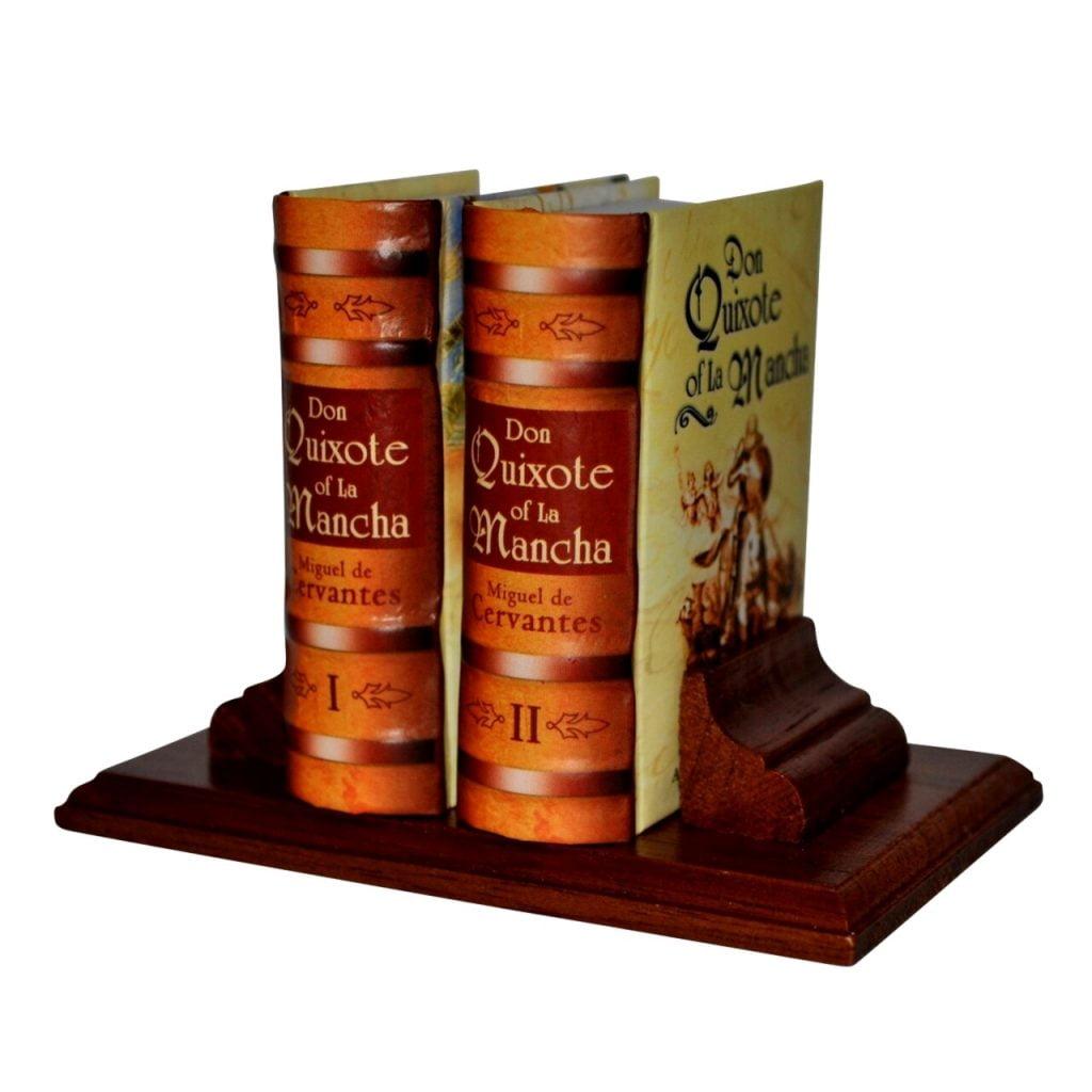 don-quixote-of-la-mancha-miniature-book-libro
